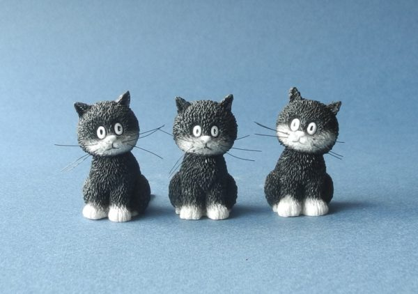 L'Alignement (Cats in a Row) Set of Three